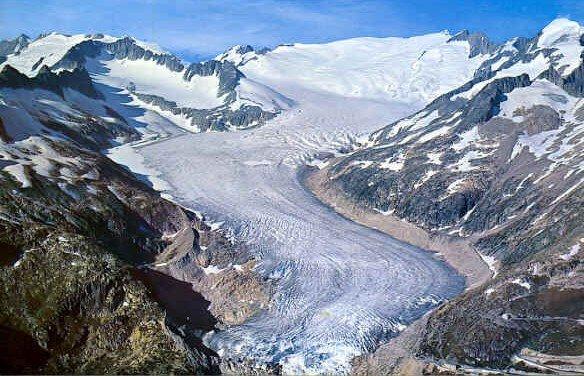 suisseglacierrhone1.jpg
